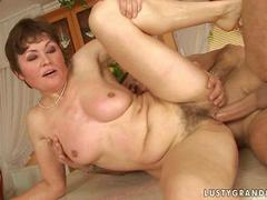 Amateur granny getting fucked pretty hard