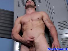 Athletic twunk beating off his pulsating cock