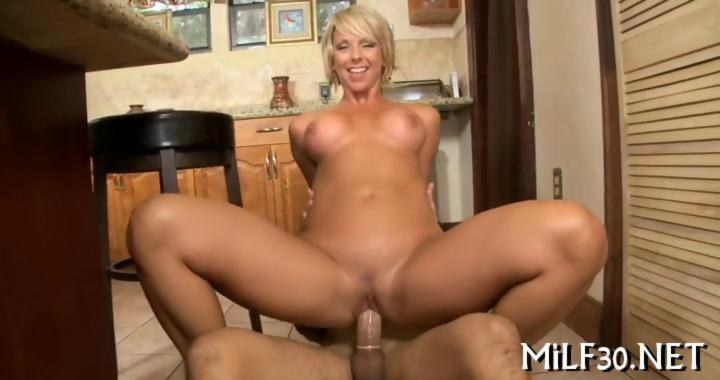 German Blonde Milf Fuck Men with Big Dick and gets Cumshot