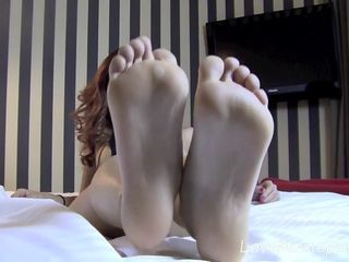 Video 567957102: sexy feet amateur, sexy brunette feet, sexy solo, feet exposed, bed solo, legs solo, little solo, nice solo