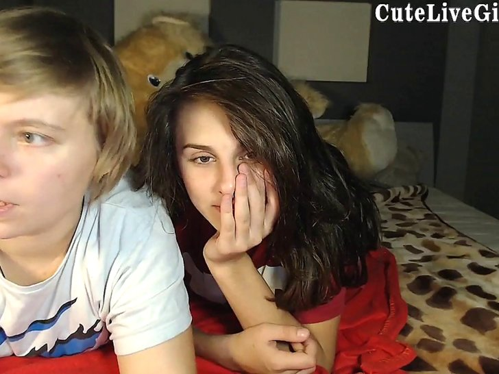 Real amateur lesbians playing on webcam, stickam ->