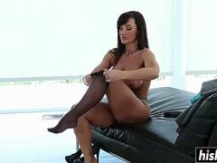 Lisa Ann likes to fuck roughly