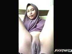 indonesian girl fingering pussy and big honeydew video