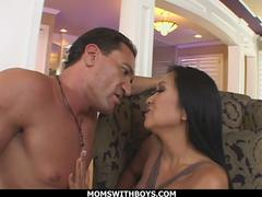 Hot Asian MILF Kitty Landgon Have Sex With White Cock