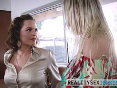 Sucking real milf licked