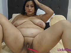 Chubby Mexican MILF with shaved pussy chat at LickaToad