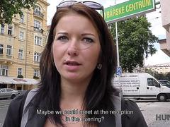 HUNT4K. Denisse comes to Prague to have fun but not for boring museums